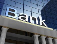刘晓春:中小银行风险处置无固定模式 应加以区分