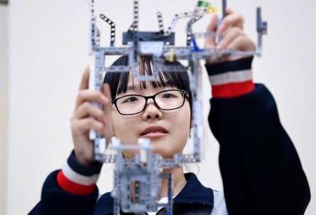 朱永新谈未来教育:文凭不再重要,学校会被学习中心取代