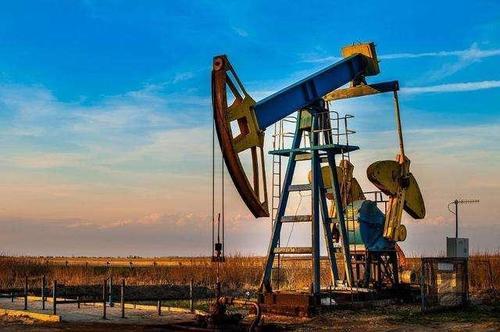 中金:预计未来油价有望维持升水结构 支撑运价处于高位