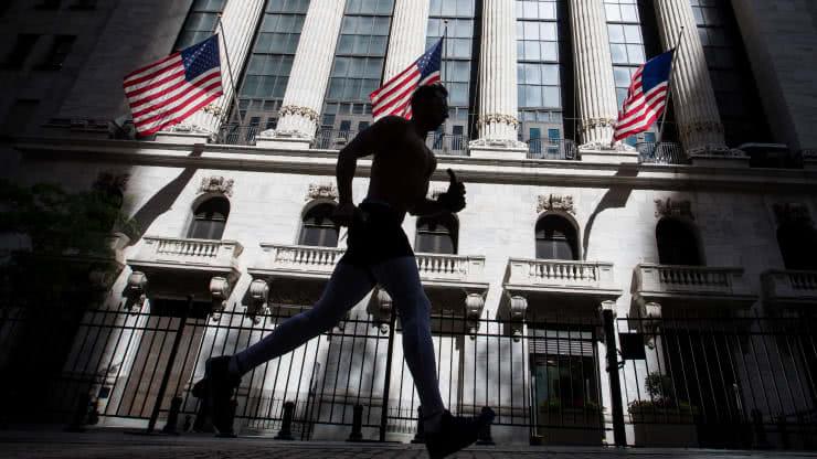 花旗调查:近70%基金经理人预计美股更有可能回调20%