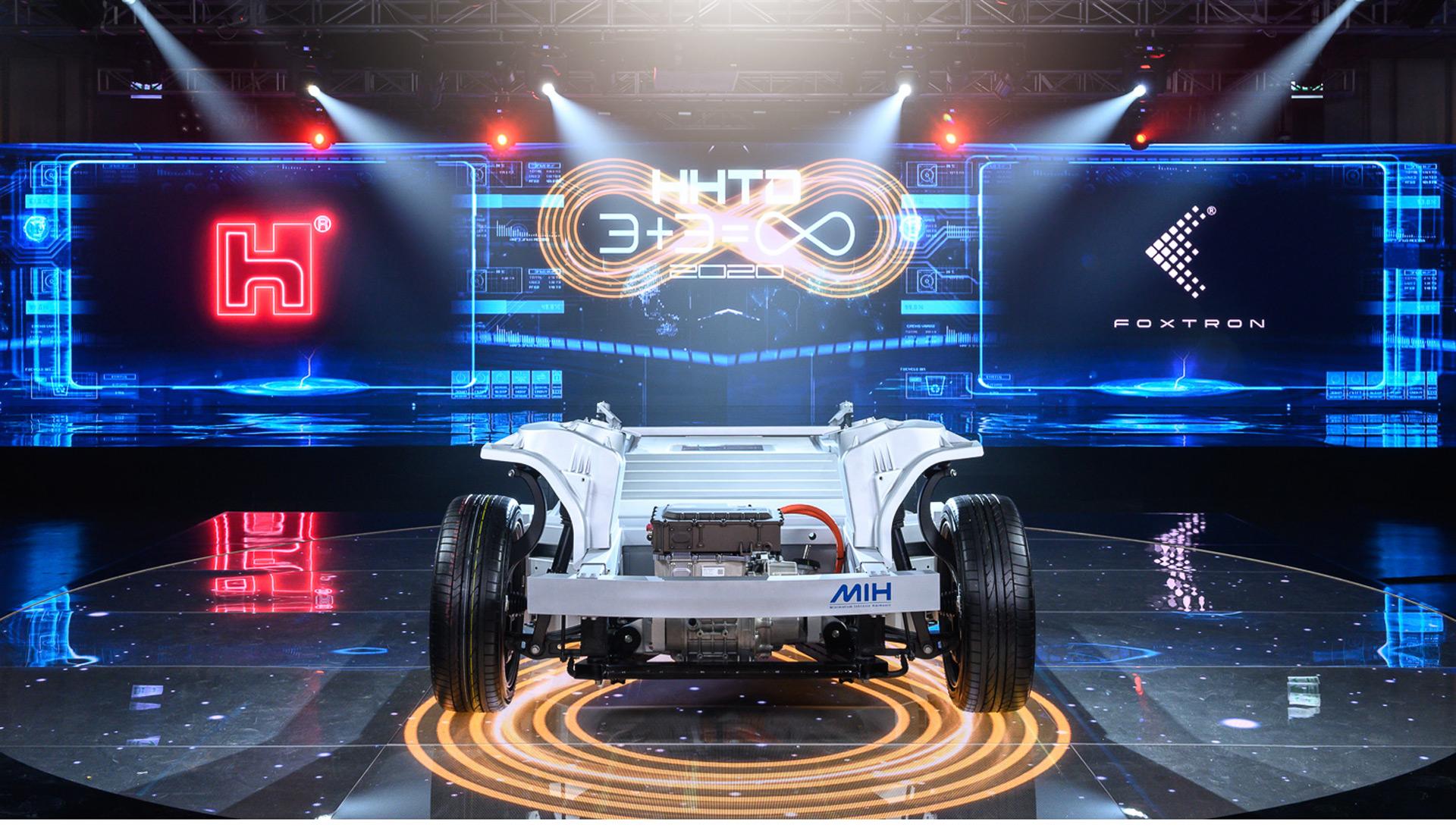 富士康正式发布纯电动汽车品牌Foxtron,三款新车Model C、Model E、Model T亮相