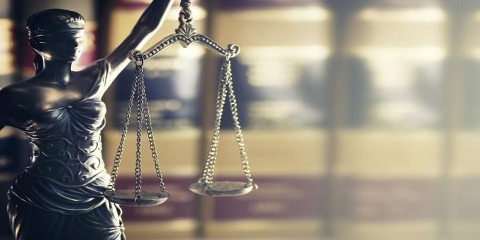 人工智能在模拟法庭上打败了20名顶尖律师